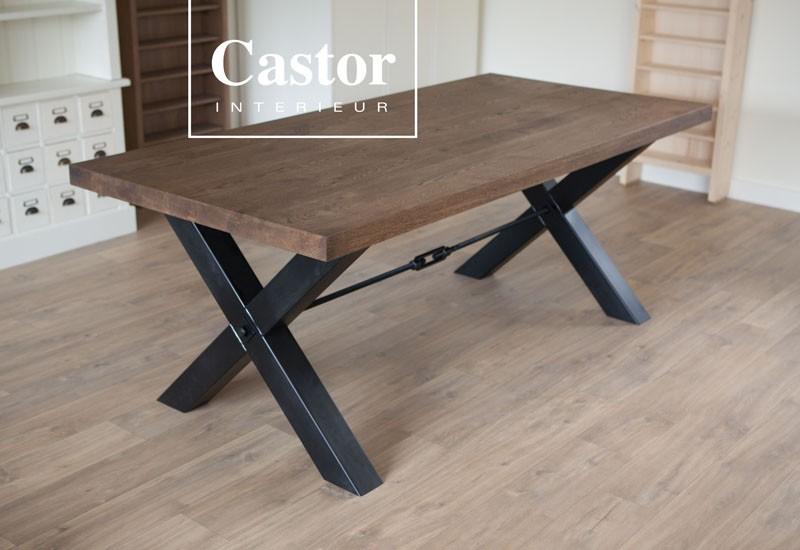 Industriële tafel 'Hamilton': www.castorinterieur.nl/industri-le-tafel-hamilton-
