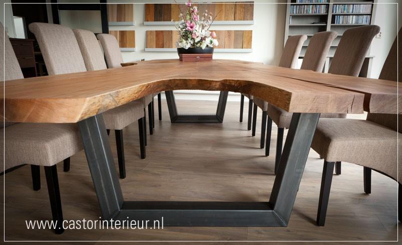 Tafel Van Boomstam : Rode plataan boomstam tafel